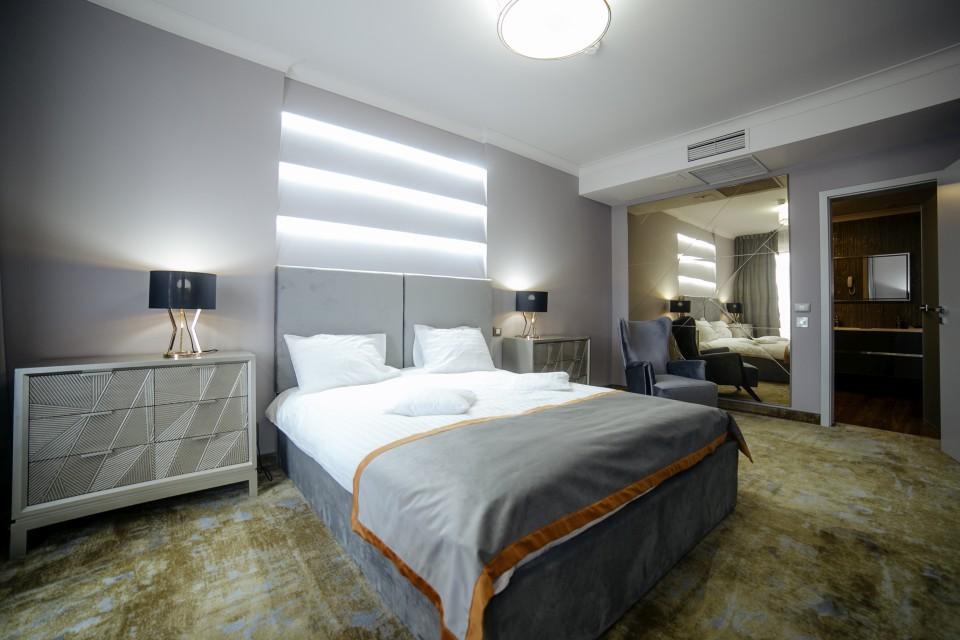 https://royalclassic.ro/wp-content/uploads/2019/04/royal-classic-cluj-apartament-de-lux-02.jpg
