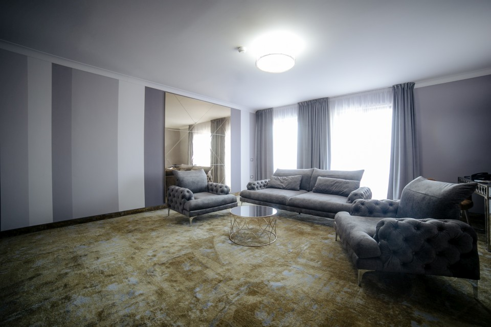 https://royalclassic.ro/wp-content/uploads/2019/04/royal-classic-cluj-apartament-de-lux-09.jpg