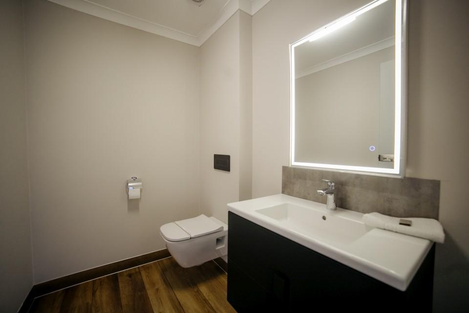 https://royalclassic.ro/wp-content/uploads/2019/04/royal-classic-cluj-apartament-de-lux-19.jpg