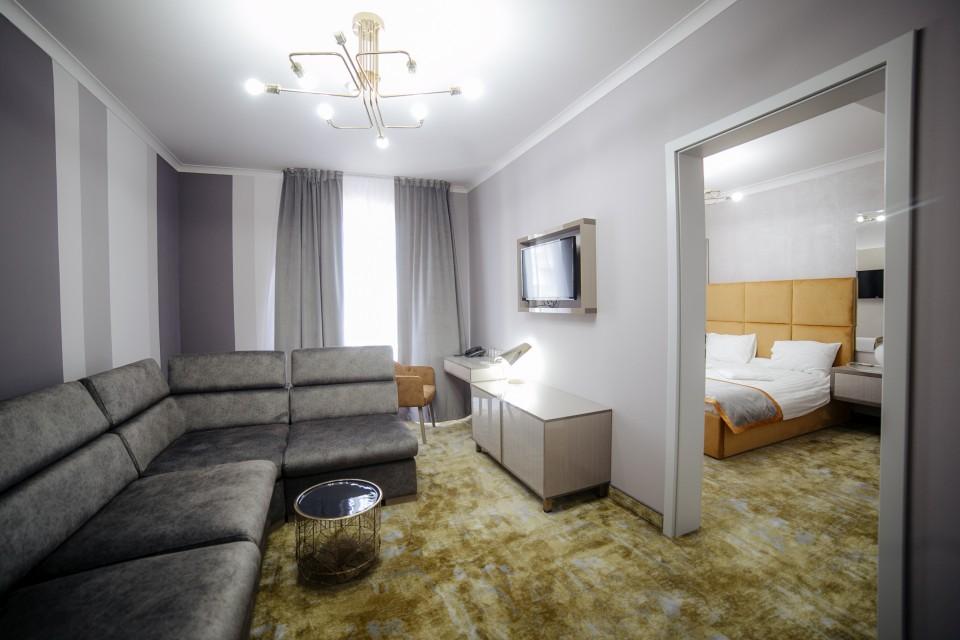 https://royalclassic.ro/wp-content/uploads/2019/04/royal-classic-cluj-apartament-standard-02.jpg