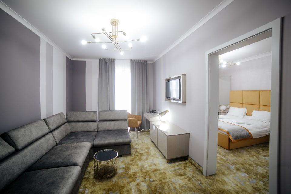 https://royalclassic.ro/wp-content/uploads/2019/04/royal-classic-cluj-apartament-standard-07.jpg