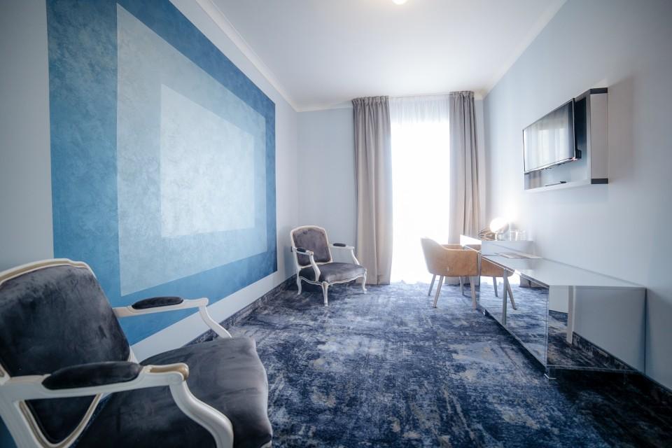https://royalclassic.ro/wp-content/uploads/2019/04/royal-classic-cluj-apartament-standard-09.jpg