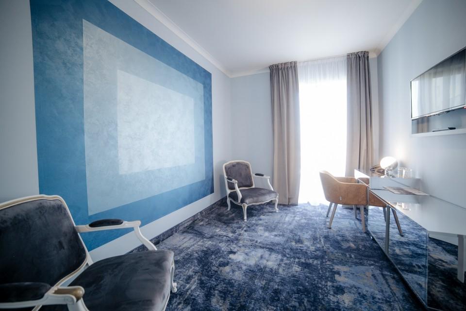 https://royalclassic.ro/wp-content/uploads/2019/04/royal-classic-cluj-apartament-standard-10.jpg