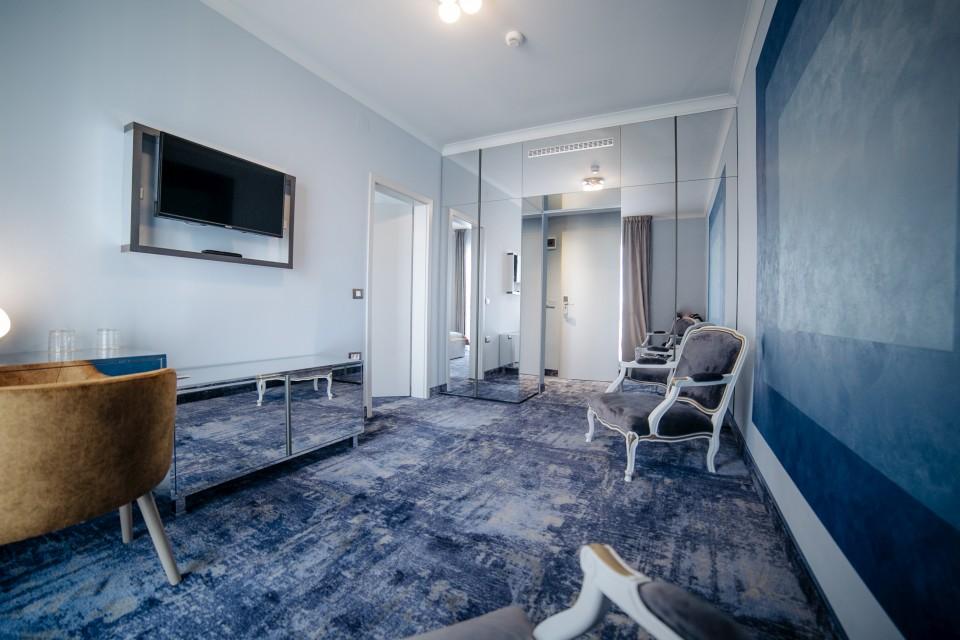 https://royalclassic.ro/wp-content/uploads/2019/04/royal-classic-cluj-apartament-standard-12.jpg